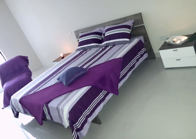 Brand new Double bedroom, Mosta