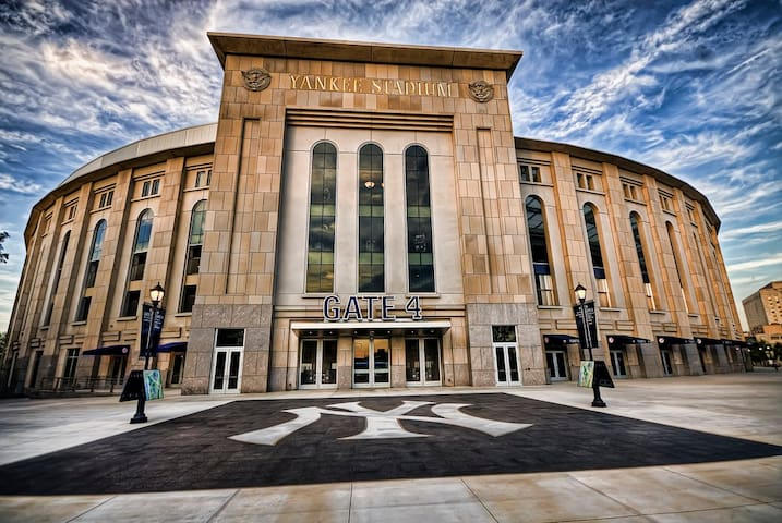 Superhost HUGE Room+Private Bath -Yankee Stadium