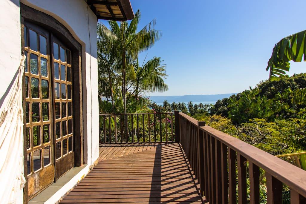 foto do terraço,tem rede prá apreciar esta vista