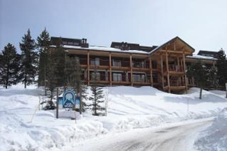 Huge Ski in Out Condo 4 Bdrm +Loft  - Mt. Crested Butte - Appartement