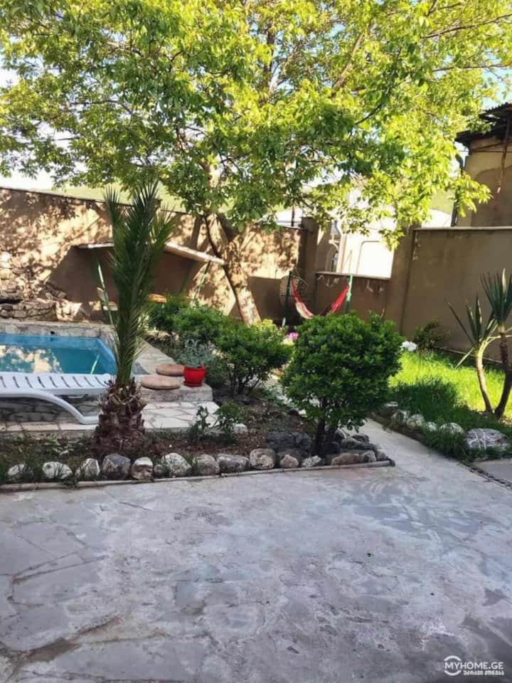 сдается шикарный дом  c бассейном