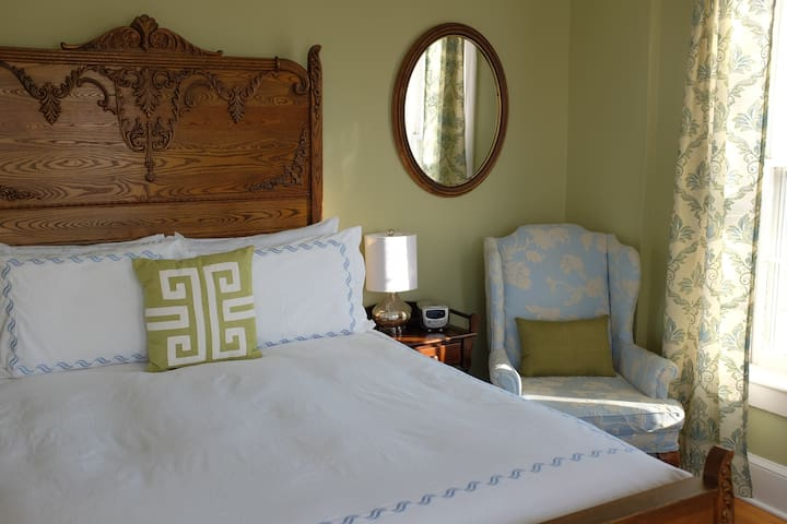Aldrich Guest House - Room 5 - Galena