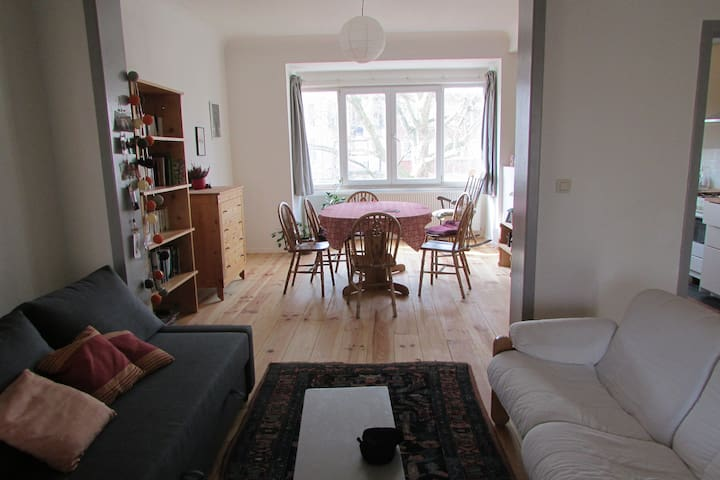 appartement 90m2 ds beau quartier - Schaerbeek - Byt