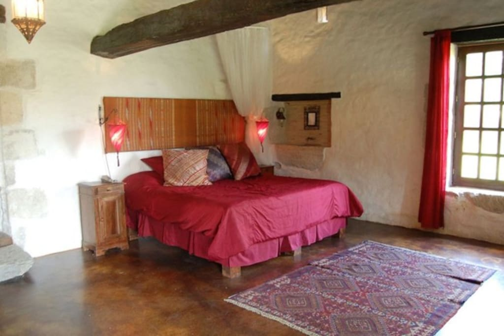 The old wine press bedroom with King size bed