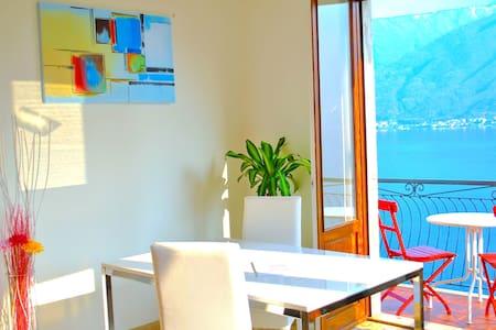 Palm Bay Belvedere Como Frontlake -private parking - SALA COMACINA - Appartement