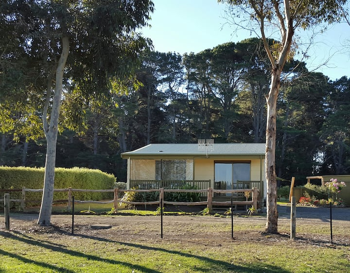 Yawnoc Cottage - Country Stay Woolsthorpe