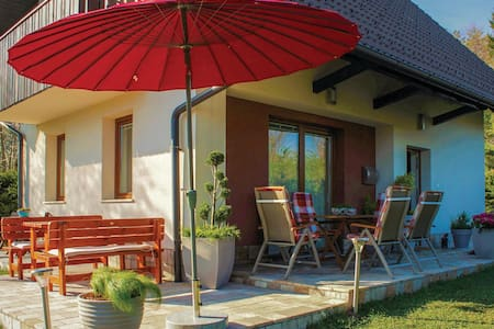 Holiday cottage with 3 bedrooms on 77m² in Preserje