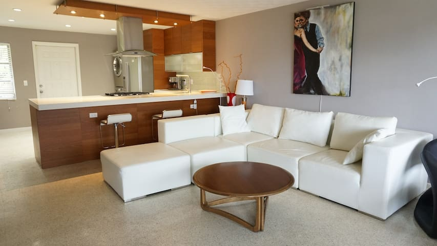 West Palm Beach Contemporary Intracoastal Condo - West Palm Beach - Appartement en résidence