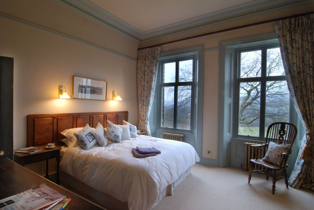 Beautifully appointed superking bedroom