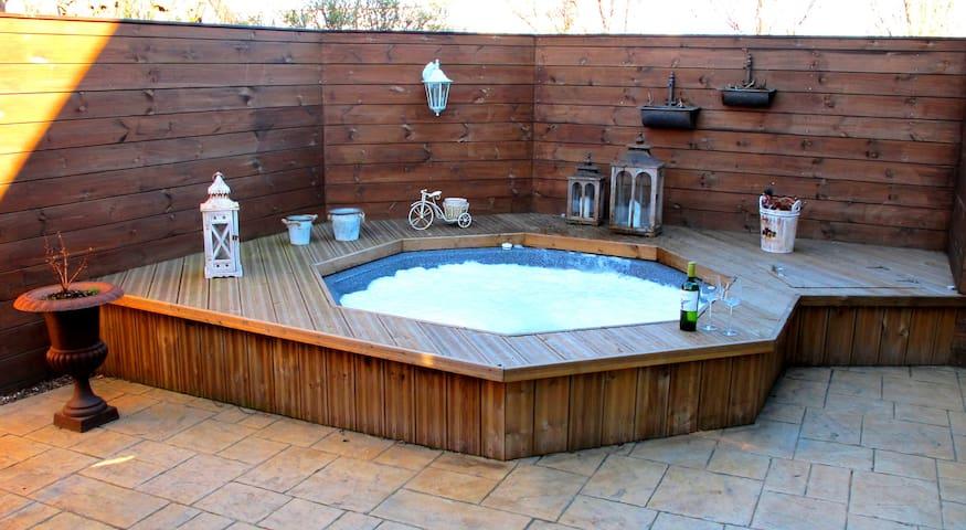 Luxury Villa + Hot tub