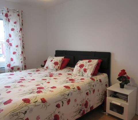 Private room with a comfortable double bed!