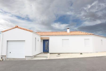 maison  moderne - Saint-Michel-en-l'Herm