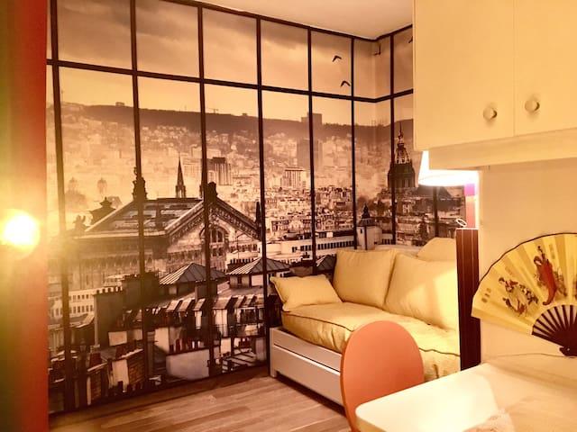 Room for 2 near Eiffel Twr