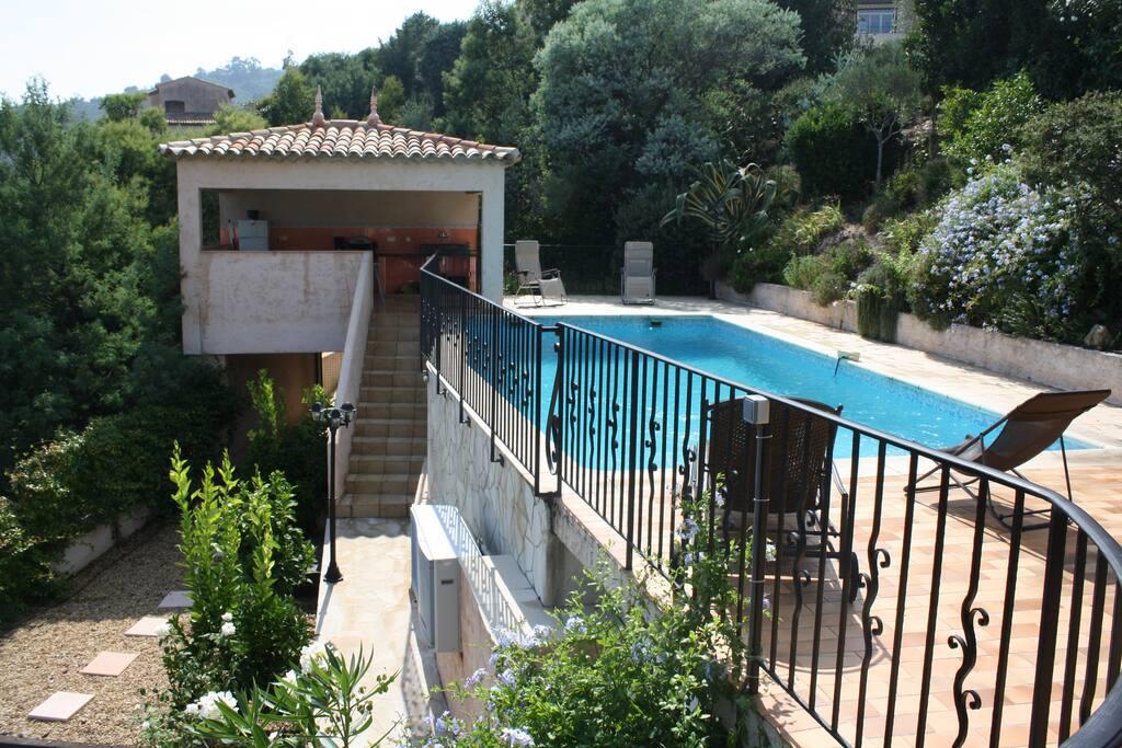 piscine 10x4 et pool house
