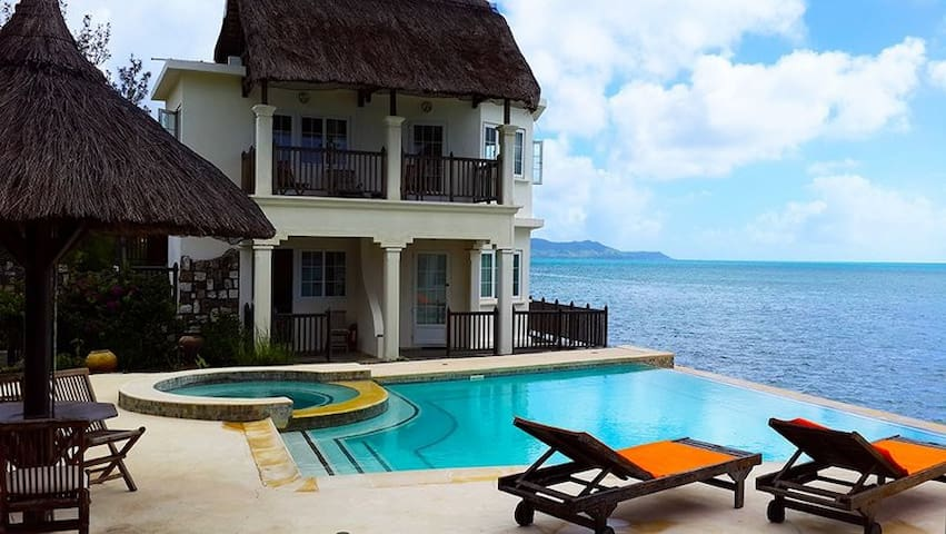 Chambre vue imprenable mer + 2 p.dej en guesthouse