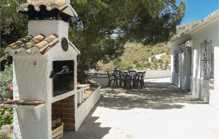 Holiday cottage with 2 bedrooms on 72m² in El Borge