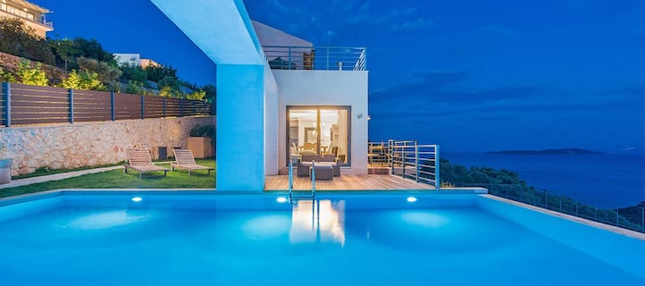 Two luxury villas with spectacular views