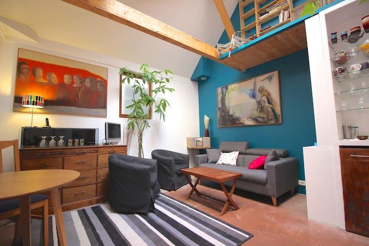 Petite maison au centre de Paris (bail mobilité)