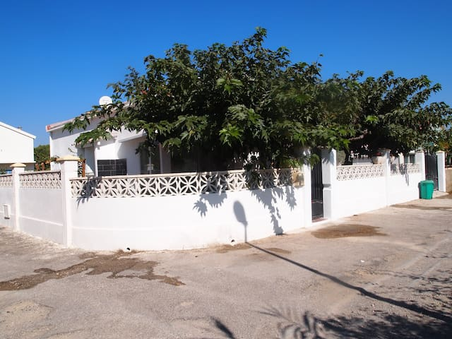 Villa plain pied à 70m de la plage - Narbonne - Huis
