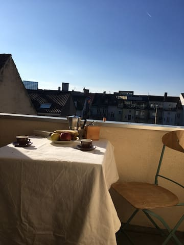 Sunny and spacious flat with balcony in Basel
