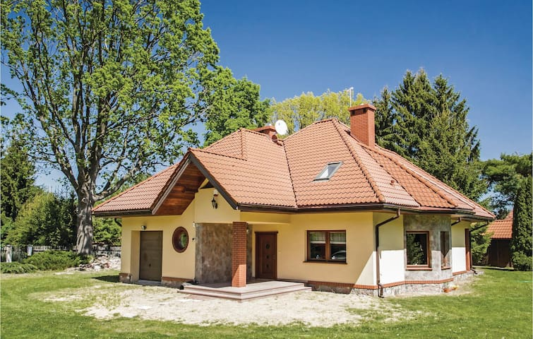 Holiday cottage with 5 bedrooms on 178m² in Pisz