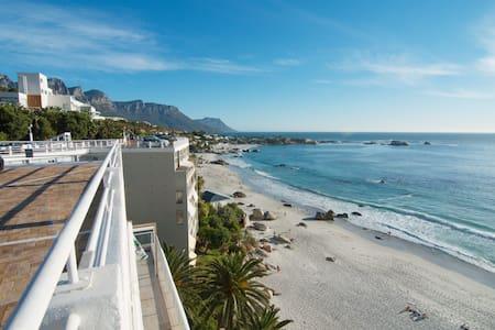 San Michele Clifton 1st Beach Apartment - Cidade do Cabo