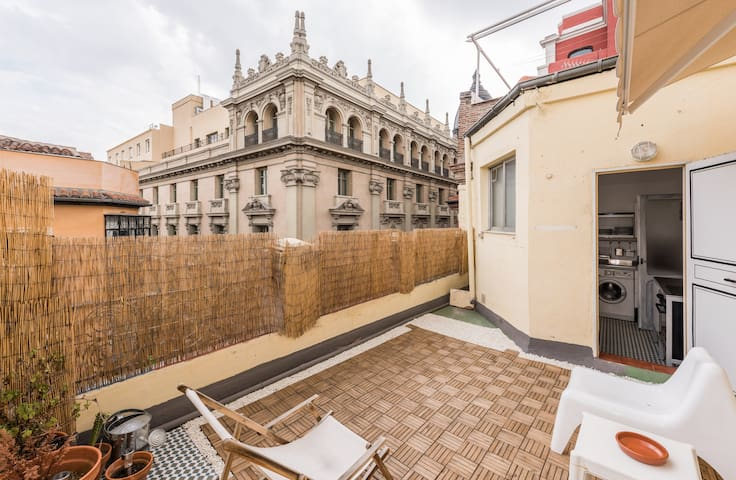 GRAN VIA, CHUECA, BEST LOCATION! ATTIC TERRACE !