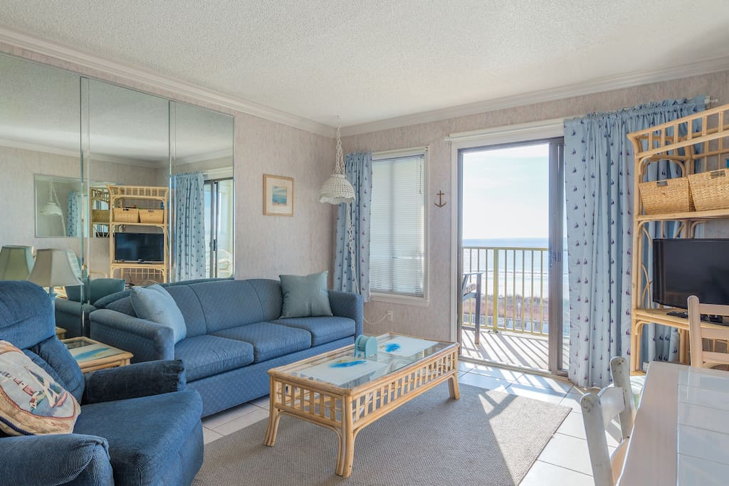 Direct Oceanfront Condo With Window In Bedroom Condominiums For Rent In Myrtle Beach South