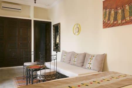 Yasmine - 22 - Marrakech - House
