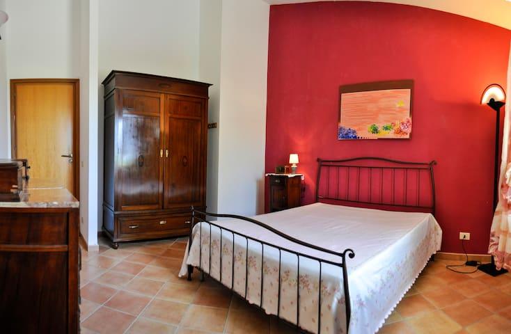 Main bedroom/Camera da letto padronale
