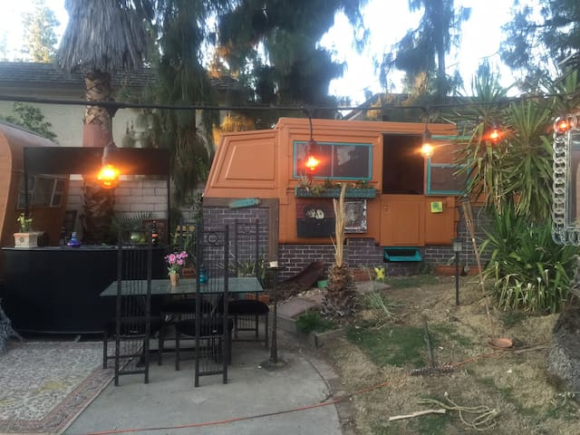 GYPSY TRAILER artist space GLAMPING