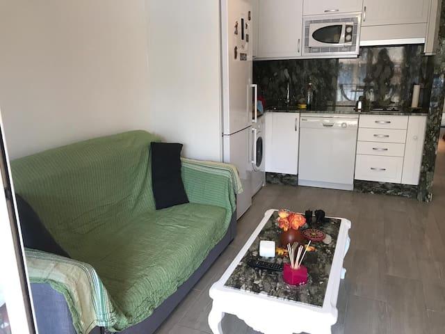 Apartamento muy soleado y fresco por la noche.