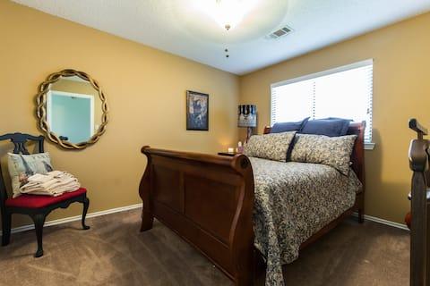 Full sized bedroom2