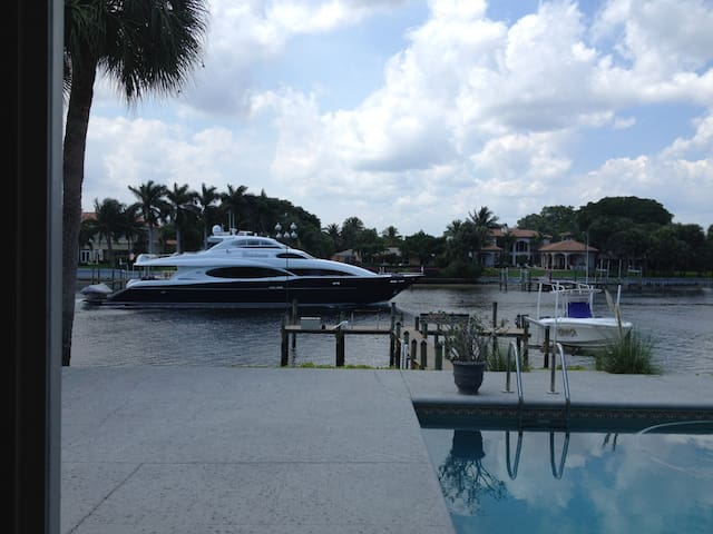 AWESOME INTRACOASTAL LOCATION - North Palm Beach - Apartemen