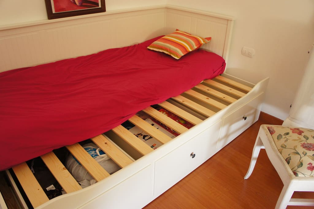 Single bed - double bed