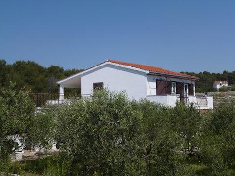 Apartment Oliva A2 (2 pers) - Island Solta,Cro