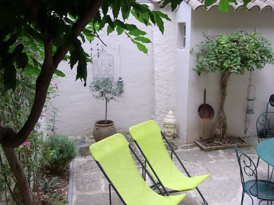 Beautiful private courtyard ideal for eating al fresco.