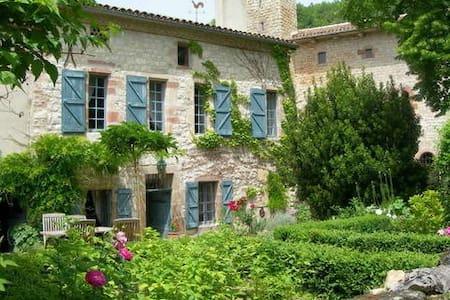 Maison de charme au pied de Cordes - Labarthe-Bleys - Haus