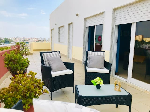 TOP - Floor Apartment with Amazing VIEWS & AREAS.