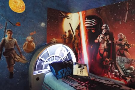 5 Bed/4 Bth Star Wars/Frozen Home Private Pool/Spa
