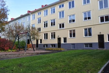 Nice apartment 10 minutes from town with bus/trams - Gothenburg