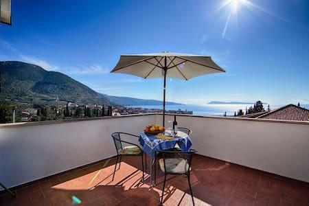 Seaview terrace Studio Pelagos 40m2 Komiza - Komiža - Apartmen