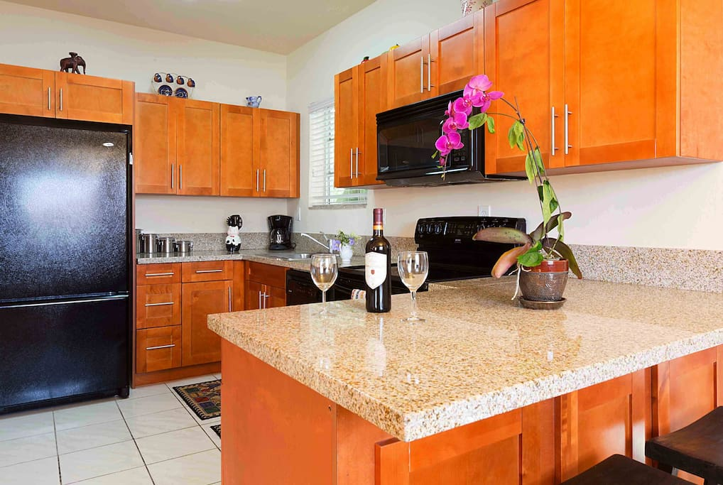 Gorgeous new fully equipped kitchen with all pots pans, condiments, spices, coffee sugar and toaster