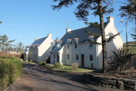 Crookhaven Village home sleeps 6-8 - Crookhaven - Rumah