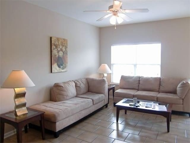 Sleeps 6. 3 tvs.  2 Bd 2 Ba Home - Biloxi - House
