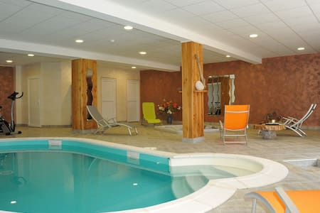 Piscine privée 31° toute l'année, spa, sauna. Ski - Le Dévoluy