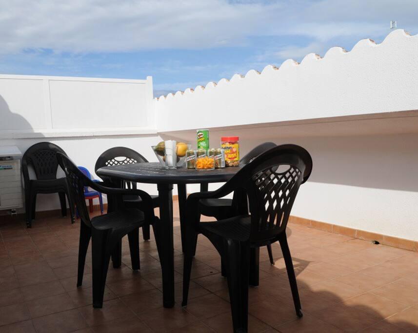 Terraza para relajarse y cenar al volver de la playa