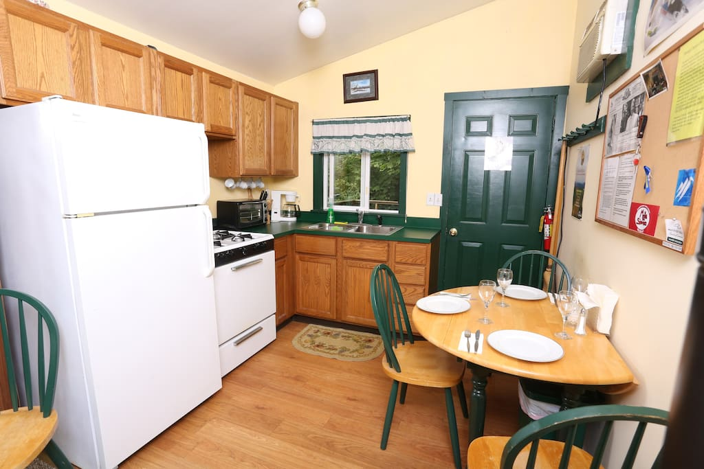 Full kitchen at your disposal - includes a Keurig Machine for morning coffee.