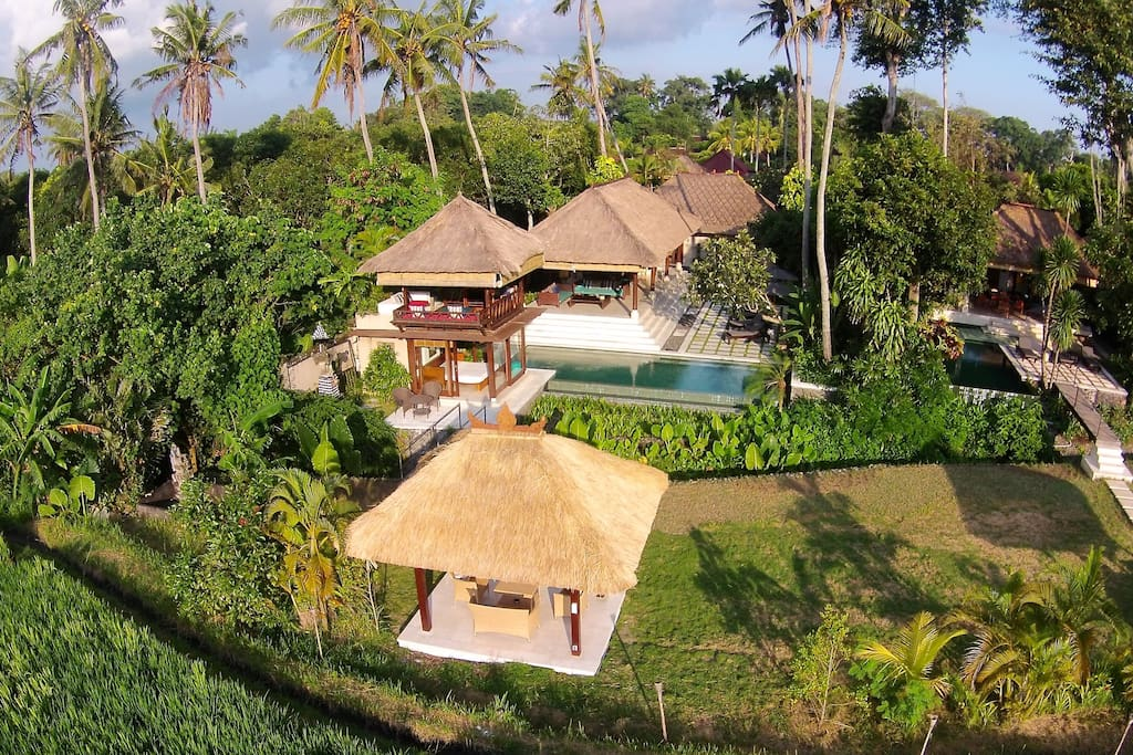 Straddling a year round creek, the villa fronts UNESCO protected rice fields and the legendary Bali sunsets.