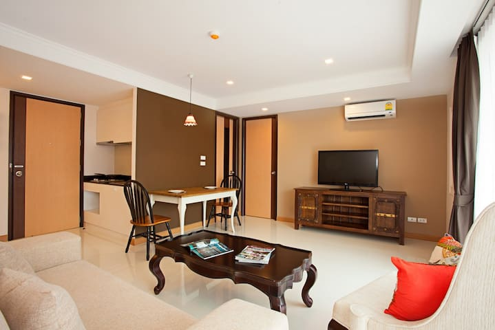 1 Bedroom Deluxe with SofaBed@RoccoHuaHin Condo 3J